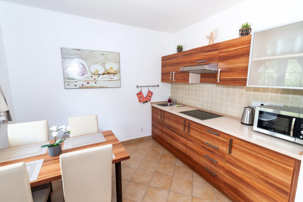 Vila_Helena_Hrabovo_H15_kuchyna